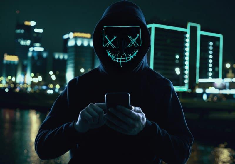 Un téléphone et un carte SIMn ça a suffi à cet ado canadient pour voler 50 millions en crypto