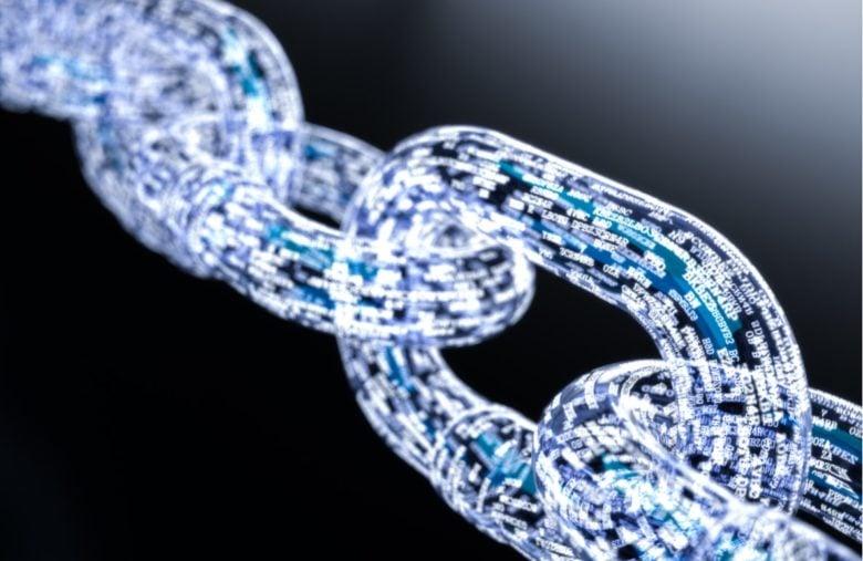 Grâce au réseau d'Ethereum, il est possible de créer des applications décentralisées et de signer des smart contracts