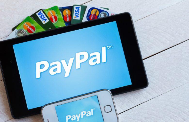 La plupart des plateformes indiquent les moyens de paiement disponibles sur leurs pages